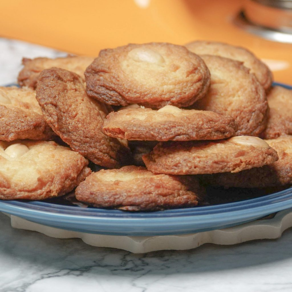 CHEESE _ ALMOND BISCUITS